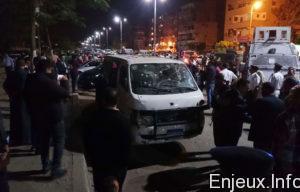 Les-terroristes-ont-ouvert-le-feu-sur-le-minibus-transportant-huit-policiers-en-civil