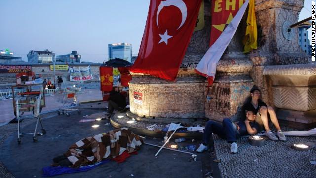 Turquie : les manifestants embarrassent Erdogan
