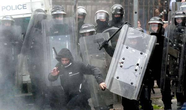 Les violences de coloration religieuse se poursuivent en Irlande du Nord