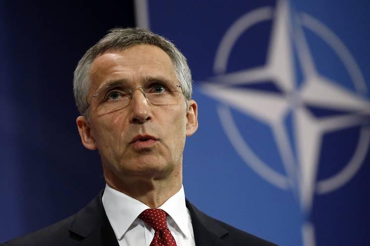 L'OTAN tend à la Libye dans sa lutte contre les passeurs de migrants