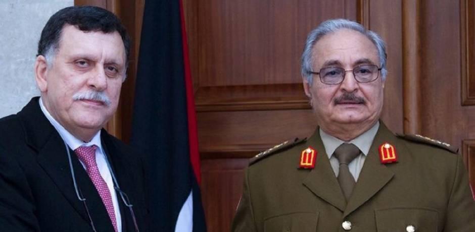 Les deux hommes forts de la crise libyenne présents au même moment au Caire