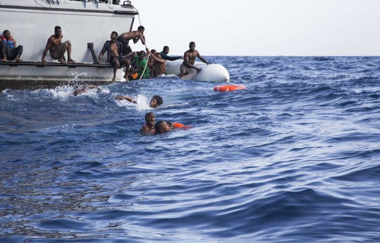 Un nouveau un drame de l'immigration au large de la Libye