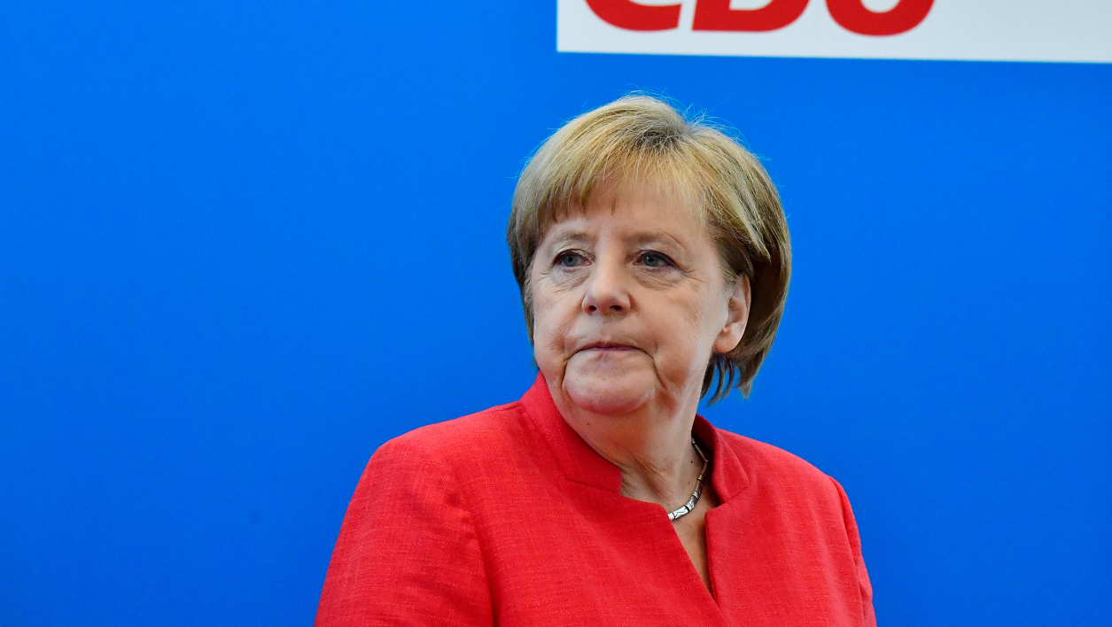 Allemagne : Merkel favorable à un durcissement des mesures anti-coronavirus