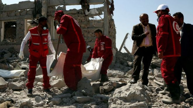 Yémen : une frappe de la coalition militaire arabe fait plus de 100 morts