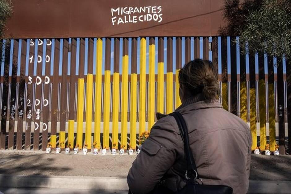 Le mur entre les Etats-Unis et le Mexique scié par des contrebandiers