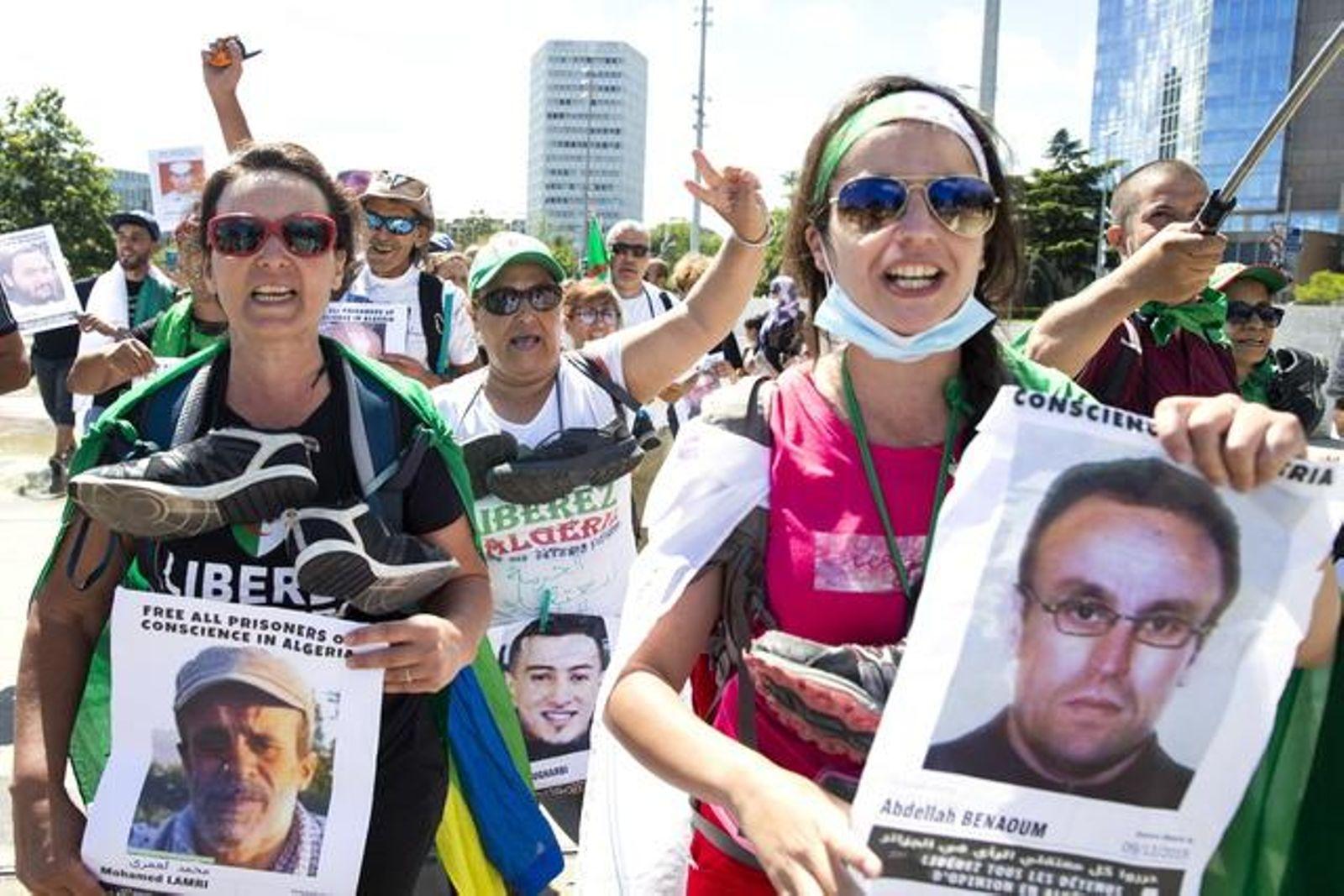 Des activistes algériens proches du «Hirak» protestent devant les Nations Unies à Genève