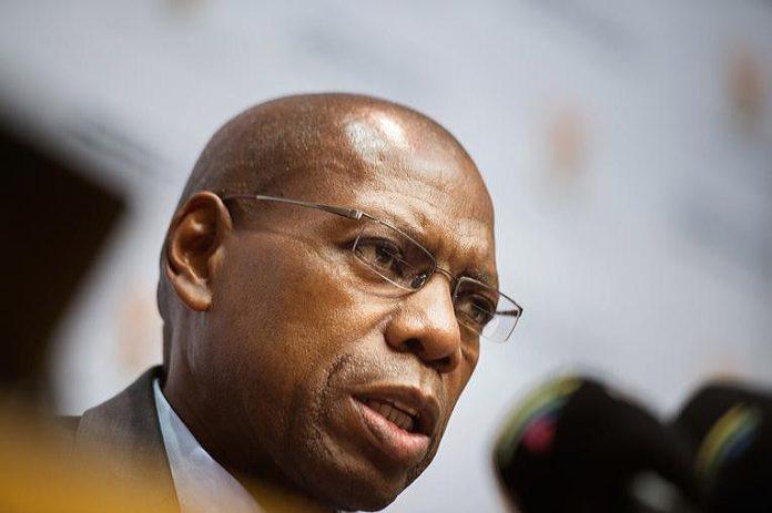 Le ministre sud-africain de la Santé positif au Covid-19