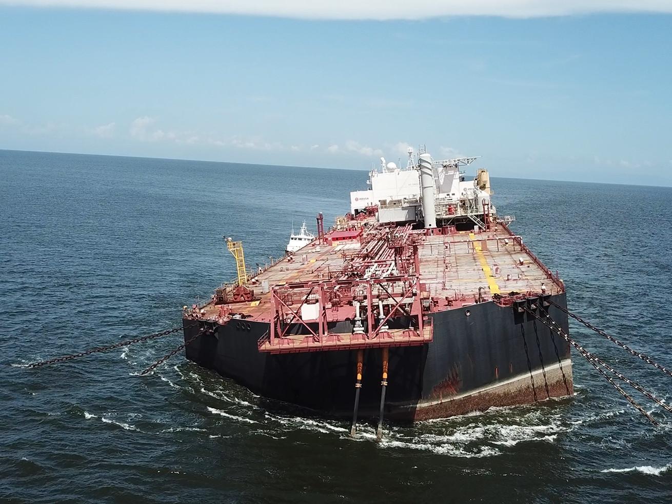 Venezuela : un pétrolier endommagé fait craindre une catastrophe environnementale