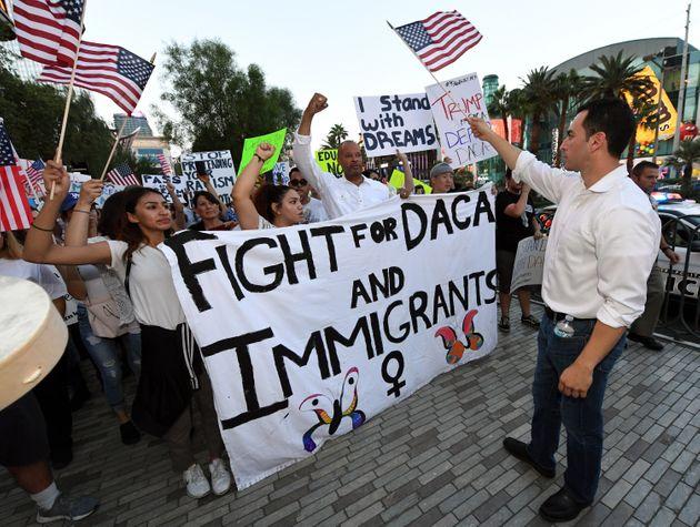 Etats-Unis : La justice invalide des limites au programme de protection des jeunes migrants clandestins