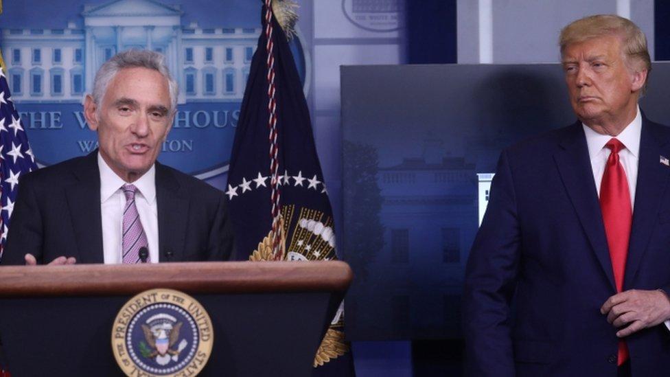 Etats-Unis : le conseiller scientifique controversé du président Trump le quitte