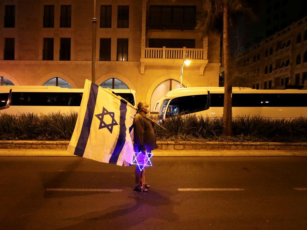 Israël instaure un troisième confinement général