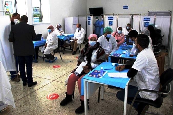 Covid-19: La campagne de vaccination à la traîne en Algérie