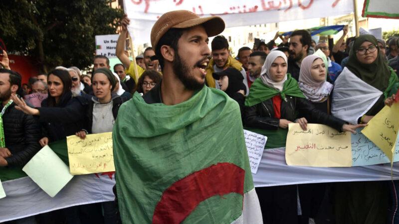 La justice algérienne condamne des militants pro-Hirak à de lourdes peines