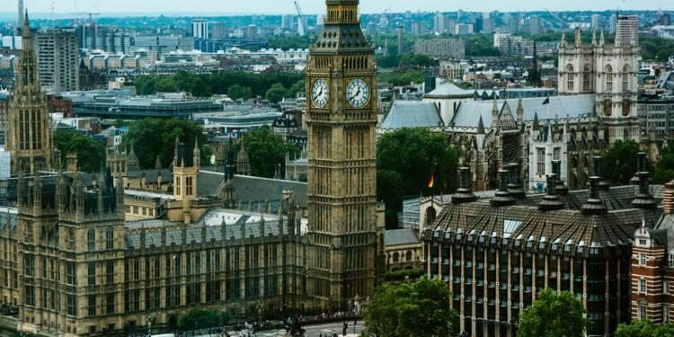 Le Royaume-Uni dément avoir bloqué l'exportation de vaccins contre le Covid-19