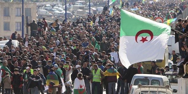 Le ministère algérien de l'Intérieur exige désormais une déclaration avant toute manifestation du Hirak