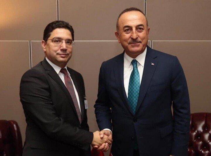 Maroc-Turquie-Coopération : Le ministre turc des A.E salue le leadership du Roi Mohammed VI
