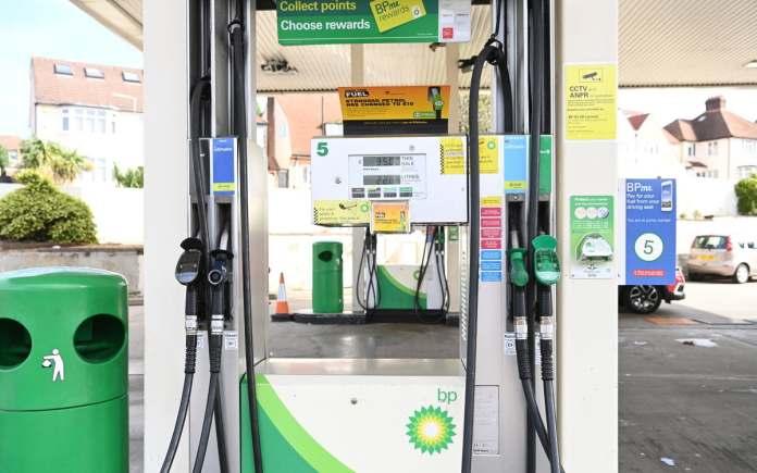 Des problèmes de livraison de carburants au Royaume-Uni entraînent la fermeture de stations-services